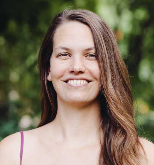 Rachel-Brooker, Turiya Gründerin und Leiterin der Turiya Kinderyoga-Ausbildung